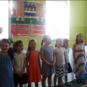 Klasa 1b w przedstawieniu kukiełkowym