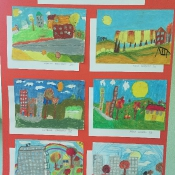 Prace laureatów szkolnego konkursu plastycznego: Jesień w naszym mieście