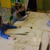Warsztaty robienia palm w klasach zerowych_12