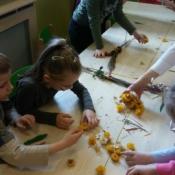 Warsztaty robienia palm w klasach zerowych_16