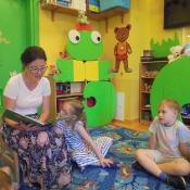 Żabkowe czytanie z mamą Julki