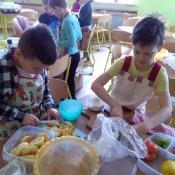 2a od kuchni, czyli robimy sałatki (20.03.2018)