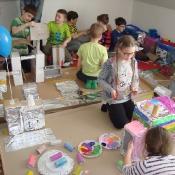 Klasa 3a integruje się z wiosną na kosmicznych warsztatach w Konopnicy (21.03.2018)