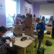 Klasa 6b projektuje roboty_14