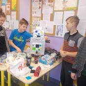Klasa 6b projektuje roboty_15