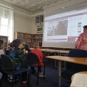 Klasy 4a i 4b w bibliotece British Council (12.04.2019)