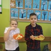 Mali kucharze z 3c zapraszają na krakersowe kanapki (14.02.2020)