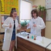 Młodzi chemicy