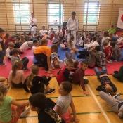 Najbezpieczniej w Chrobrym - pokaz karate tradycyjnego - szkoła karate p. Marka Burego - 22.09.2017 r.