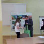 Paulina nagrodzona przez konsula_4