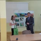 Paulina nagrodzona przez konsula_6