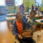 Warsztaty kulinarno-przyrodnicze w klasie 1c (24.05.2018)
