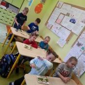 Warsztaty z papugą w Chrobrym - Klasy I A i I B - 2019 r._29