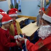Wizyta Mikołaja w klasach 0-3 (6.12.2017)