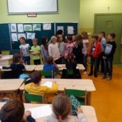 Starsi koledzy z wizytą w klasie 0b