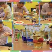Żabki eksperymentują z tatą Oli_10