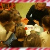 Biedronki czytają z mamą Karolka