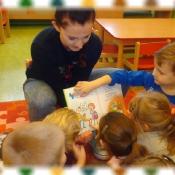 Biedronki czytają z mamą Kubusia_7