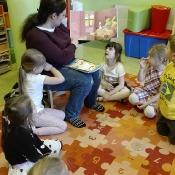 Biedronki czytają z mama Olgi