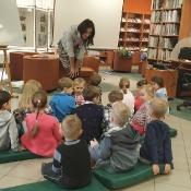 Biedronki i Żabki badają sekrety kropki w Bibliotece