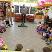 Biedronki i Żabki w bibliotece_1