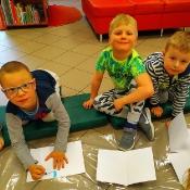 Majowa wizyta Biedronek i Żabek w bibliotec_10