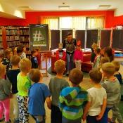 Majowa wizyta Biedronek i Żabek w bibliotec_2