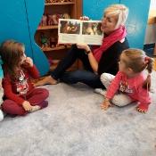 Motylki czytają z mamą Grzesia_3