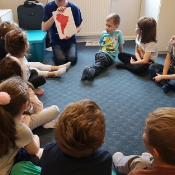 Motylki i Biedronki w podróży dookoła świata w Szkole Językowej Helen Doron_28