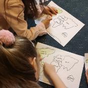 Motylki i Biedronki w podróży dookoła świata w Szkole Językowej Helen Doron_32