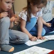 Motylki i Biedronki w podróży dookoła świata w Szkole Językowej Helen Doron_34