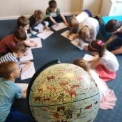 Motylki i Biedronki w podróży dookoła świata w Szkole Językowej Helen Doron_7