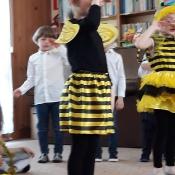 Motylki i Pszczółki z przedstawieniem w Przedszkolu Sióstr Urszulanek_16