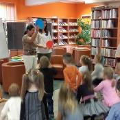 Motylki i Pszczółki z wizytą w bibliotece_8