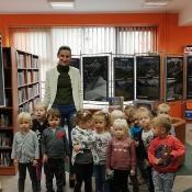 Październikowa wizyta Rybek i Smoków w bibliotece_12