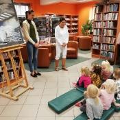 Październikowa wizyta Rybek i Smoków w bibliotece_2