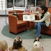 Październikowa wizyta Rybek i Smoków w bibliotece_3