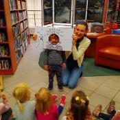Październikowa wizyta Rybek i Smoków w bibliotece_4