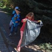 Przedszkolaki sprzątają Węglin_15