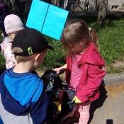 Przedszkolaki sprzątają Węglin_18