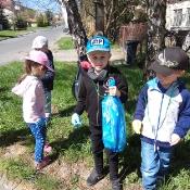 Przedszkolaki sprzątają Węglin_20