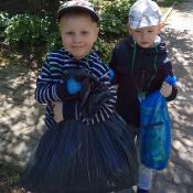 Przedszkolaki sprzątają Węglin_21