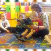 Pszczółki czytają z mamą Kubusia_3