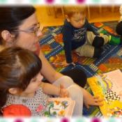 Pszczółki czytają z mamą Natalki_5