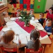 Rybki szykują świąteczny stół_10