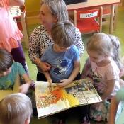 Smoki czytają z mamą Stasia