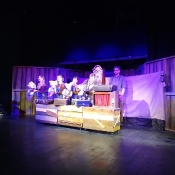 Wilk, trzy świnki i leśniczy, co strzeże dziczy, czyli wizyta w teatrze