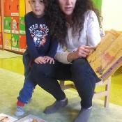 Zaczytany poranek Smoków z mamą Mikołajka_7