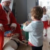 Mikołaj- niezwykły gość w przedszkolu!_24