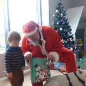Mikołaj- niezwykły gość w przedszkolu!_26